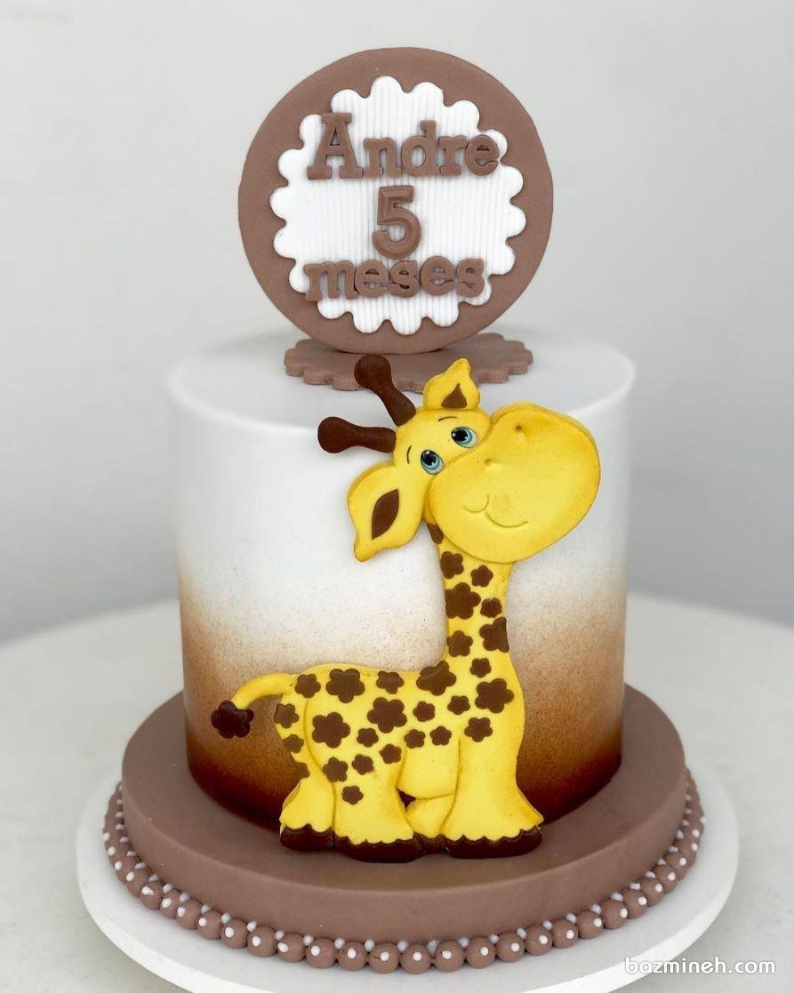 مینی کیک فوندانت جشن تولد کودک با تم زرافه