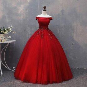 لباس نامزدی یقه قایقی با پارچه قرمز رنگ سنگدوزی شده مدلی زیبا برای عروس خانمهای خوش اندام