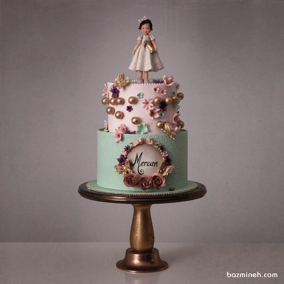 کیک دو طبقه فوندانت عروسکی جشن تولد دخترونه