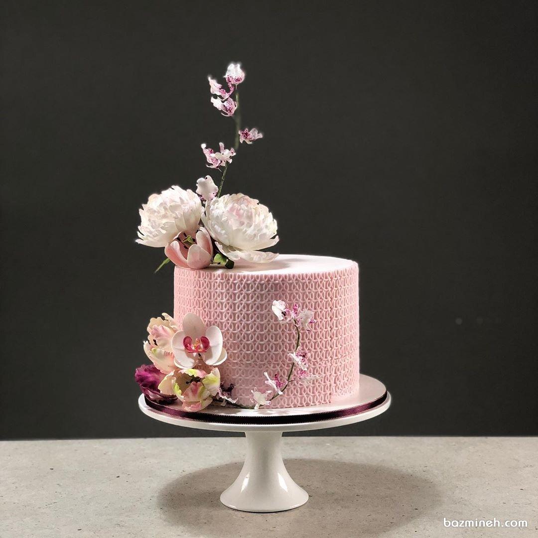 کیک ملیح و رمانتیک جشن تولد بزرگسال با تم بهاری