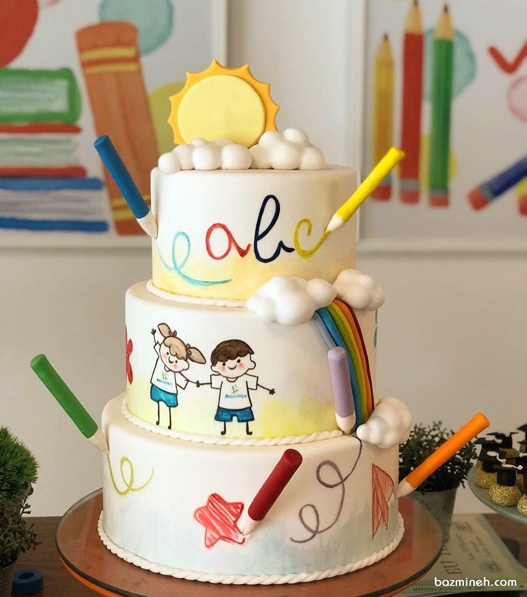 کیک سه طبقه جشن تولد کودک یا جشن الفبا با تم مداد رنگی