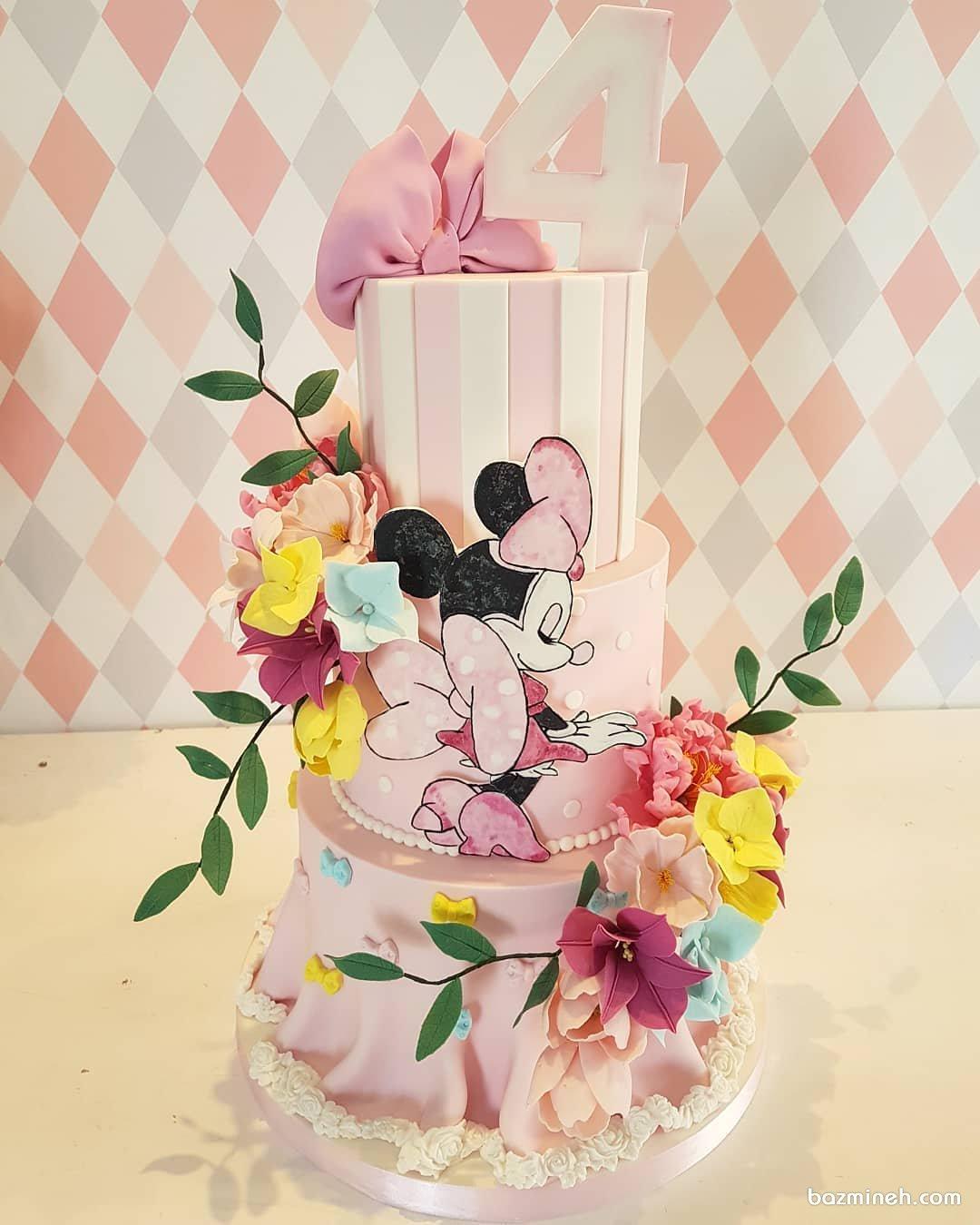 کیک سه طبقه فوندانت جشن تولد دخترونه با تم مینی موس (Minnie Mouse)