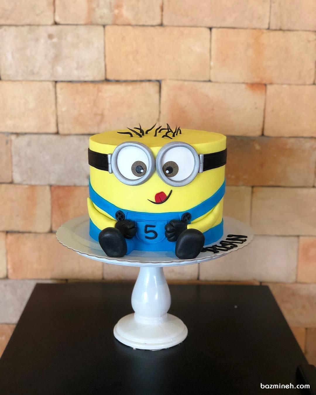 مینی کیک جشن تولد کودک با تم مینیون (Minions)