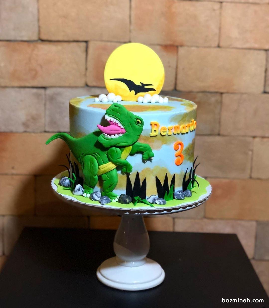 مینی کیک فوندانت جشن تولد پسرونه با تم دایناسور