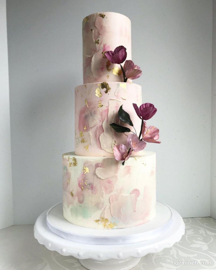 کیک سه طبقه جشن نامزدی یا تولد بزرگسال