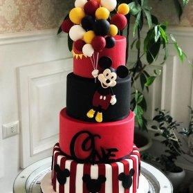 کیک چند طبقه فوندانت جشن تولد کودک با تم میکی موس (Mickey Mouse)