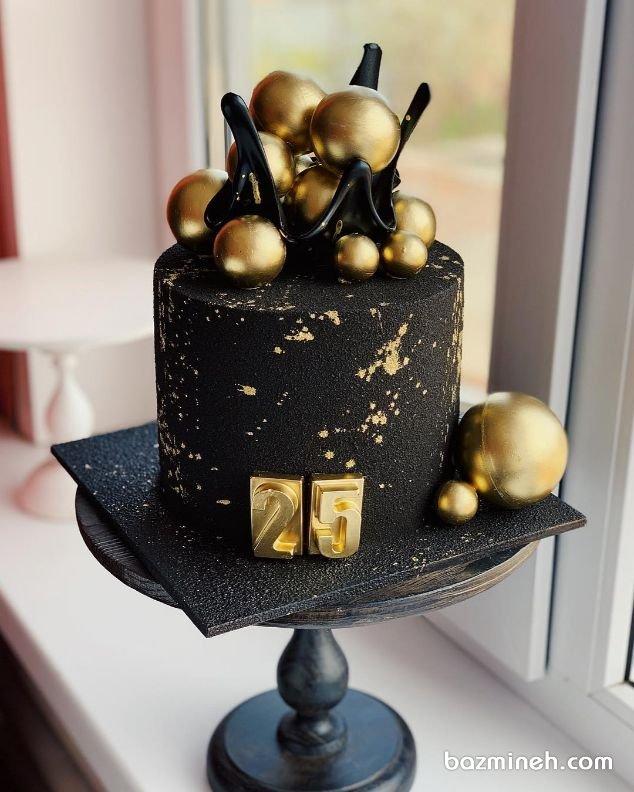 کیک منحصر به فرد جشن تولد بزرگسال با تم مشکی طلایی