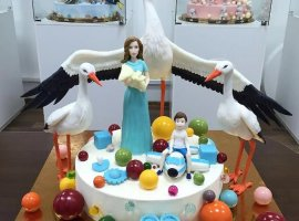 با این کیک های عجیب جشن خود را متفاوت برگزار کنید.