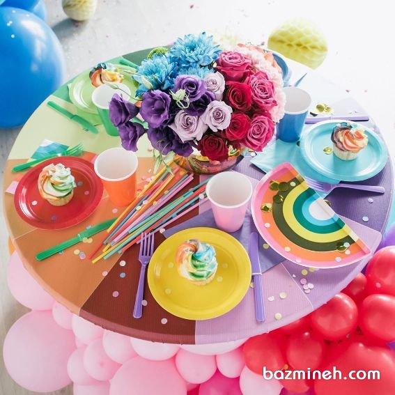 دکور تولد رنگارنگ برای تم تولد رنگین کمانی مناسب تولد کودکان و نوجوانان