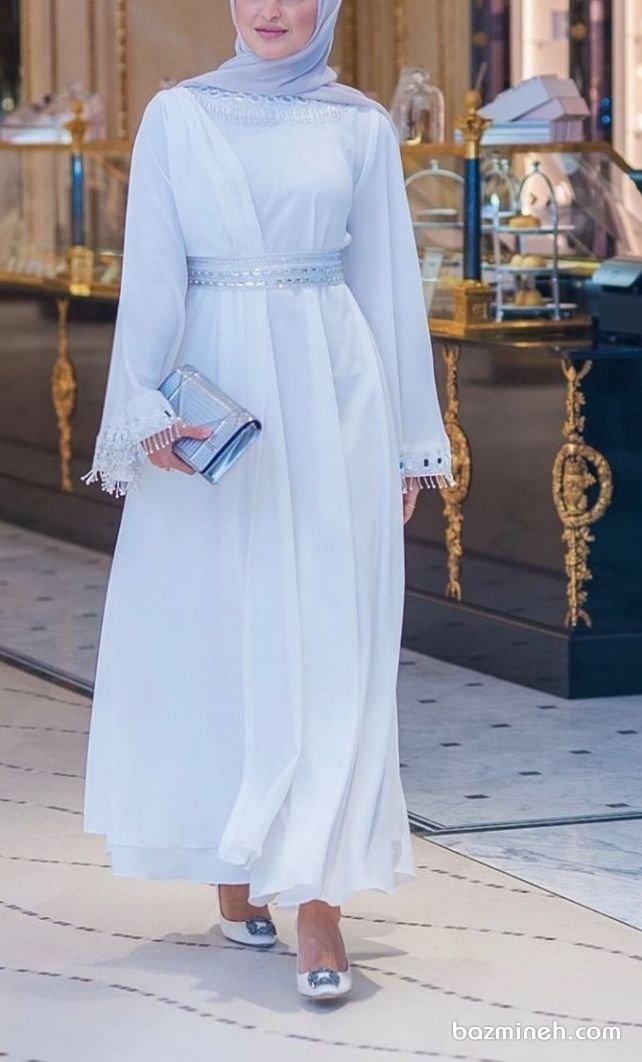 مانتو عقد کرپ حریر بلند پوشیده مدل چپ و راستی سنگدوزی شده مدلی زیبا برای عروس خانمهای محجبه