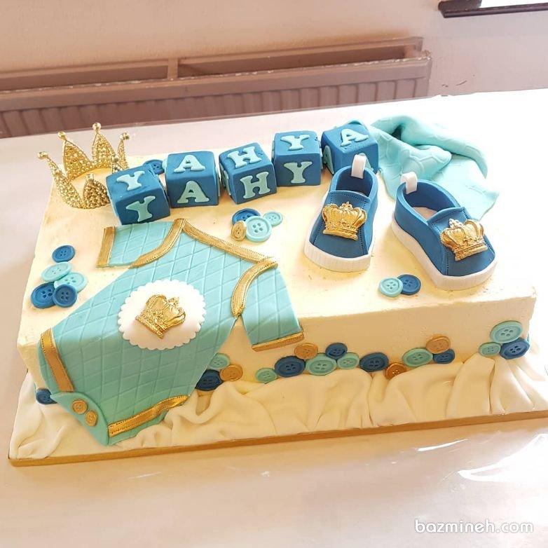 کیک جشن بیبی شاور یا سیسمونی پسرونه با تم پادشاه آبی طلایی