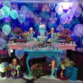 دکوراسیون و بادکنک آرایی رویایی جشن تولد دخترونه با تم پری دریایی