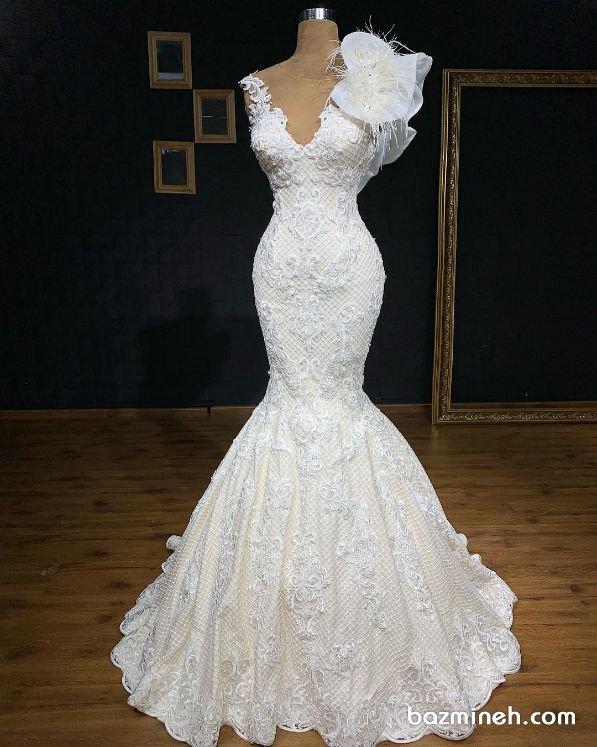 لباس عروس شیک با یقه مدل هفت باز و دامن مدل ماهی پیشنهادی زیبا برای مراسم فرمالیته