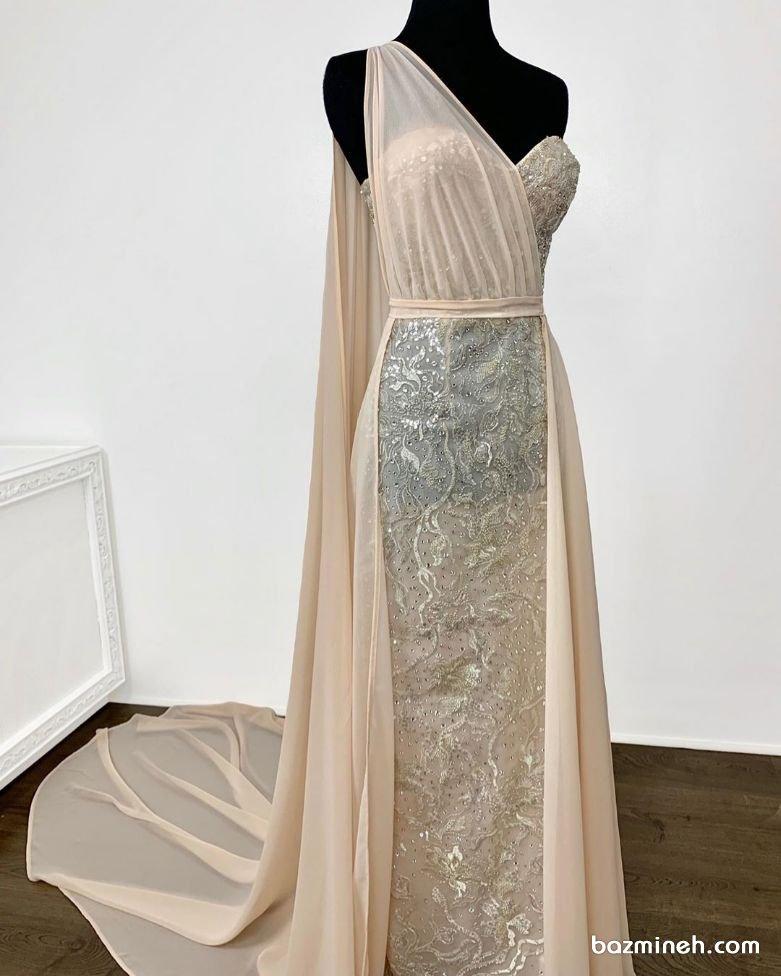 مدل لباس مجلسی یقه دکلته قلبی حریر دار شیری رنگ زیبا برای عروس خانمها در مراسم نامزدی یا فرمالیه