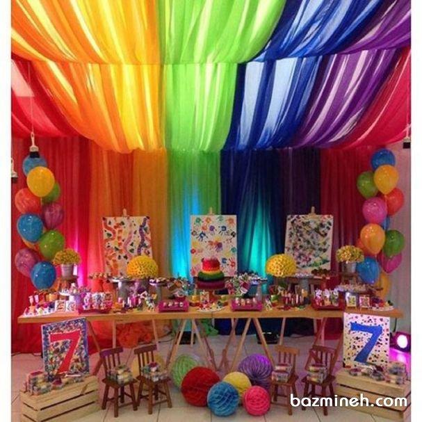 دکوراسیون و بادکنک آرایی شاد و رنگی تولد کودک