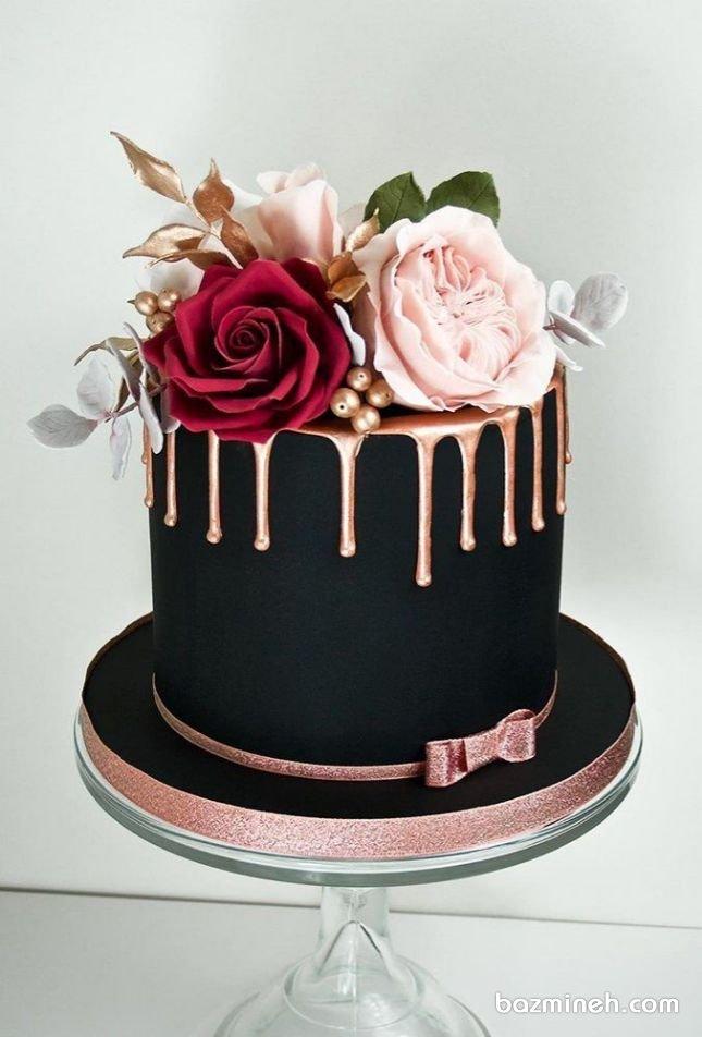 مینی کیک خاص جشن سالگرد ازدواج با تم رنگی مشکی و تزیین گل