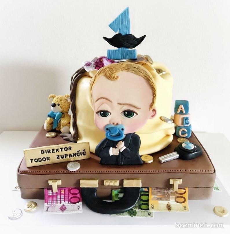 کیک فوندانت جشن تولد کودک با تم بچه رئیس. بچه رئیس یکی از انیمیشن های جذاب برای بچه ها است که می تواند به عنوان دیزاین کیک تولد آنها انتخاب شود. این  کیک برای کودکان در محدوده سنی  تا 2 تا 8 سال توصیه می شود.