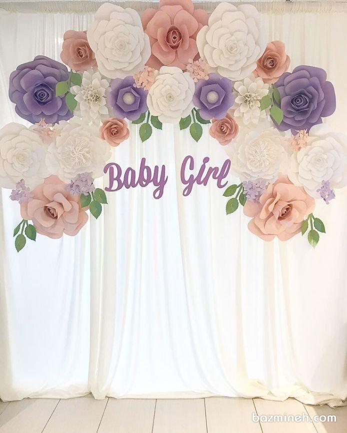دکوراسیون جشن بیبی شاور یا جشن نوزاد با تم رنگی سفید یاسی گلبهی