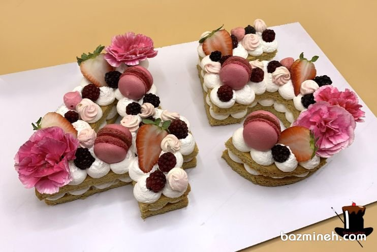 سابله کیک ها از انواع کیک هایی هستند که برای جشن های تولد و سالگرد ازدواج و جشن های مناسبتی دیگر مانند بی بی شاور بسیار پرطرفدار هستند و با تزیینات ویژه از جمله ماکارون ها، میوه ها، گل های طبیعی و توت فرنگ های شکلاتی و سایر المانهای تزییناتی دیزاین می شوند. سابله کیک خوشگل جشن تولد بزرگسال با تزئین ماکارون و گل و میوه