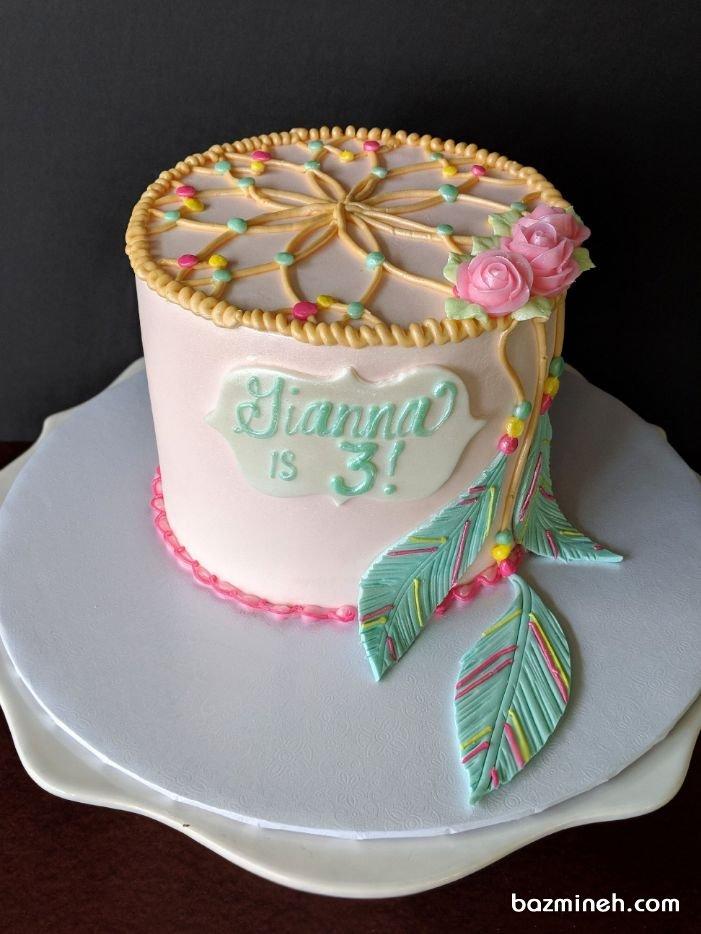 مدل کیک خامهای جشن تولد بزرگسال با تم دریم کچر
