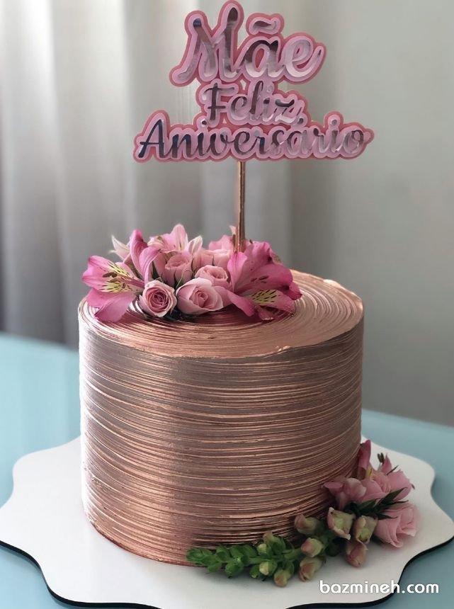 کیک یونیک جشن تولد بزرگسال یا سالگرد ازدواج با تم رنگی رزگلد و تزیین گلهای طبیعی