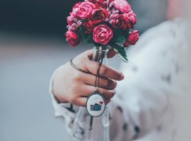 12 مورد از بهترین ایدههای عکاسی عروس (معرفی آتلیه عروس و استودیو کودک نورا)