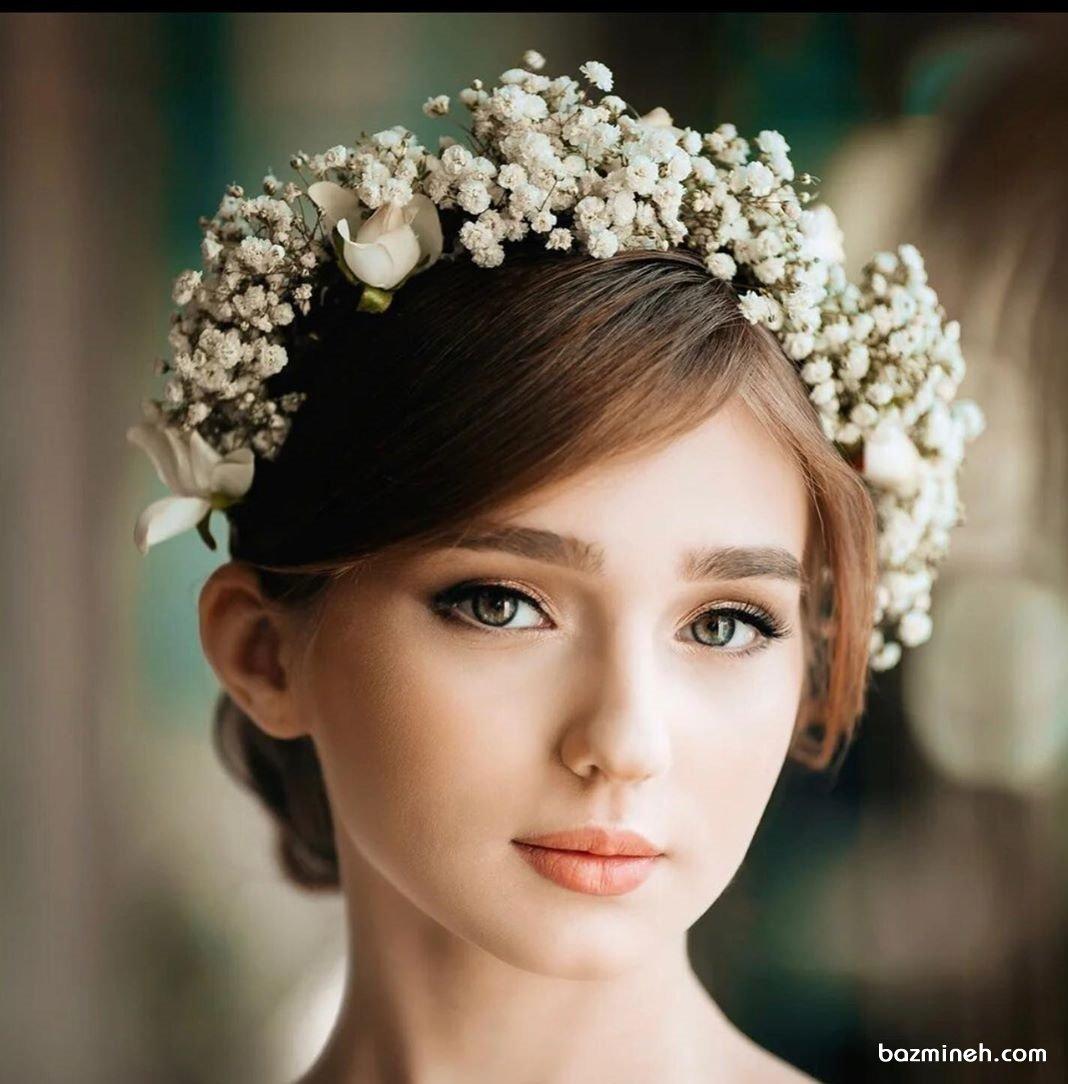 گل ژیپسوفیلا برای تاج عروس در مراسم فرمالیته یا نامزدی بسیار زیبا است.