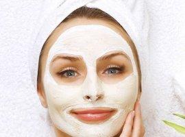 15 خوراکی طبیعی که بهتر از هر کرم آرایشی از پوست شما محافظت می کند