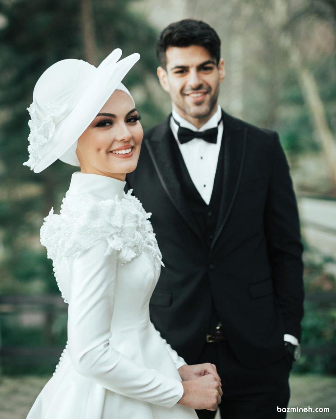 لباس عقد پوشیده با کلاه سفید مناسب عروس خانمهای محجبه