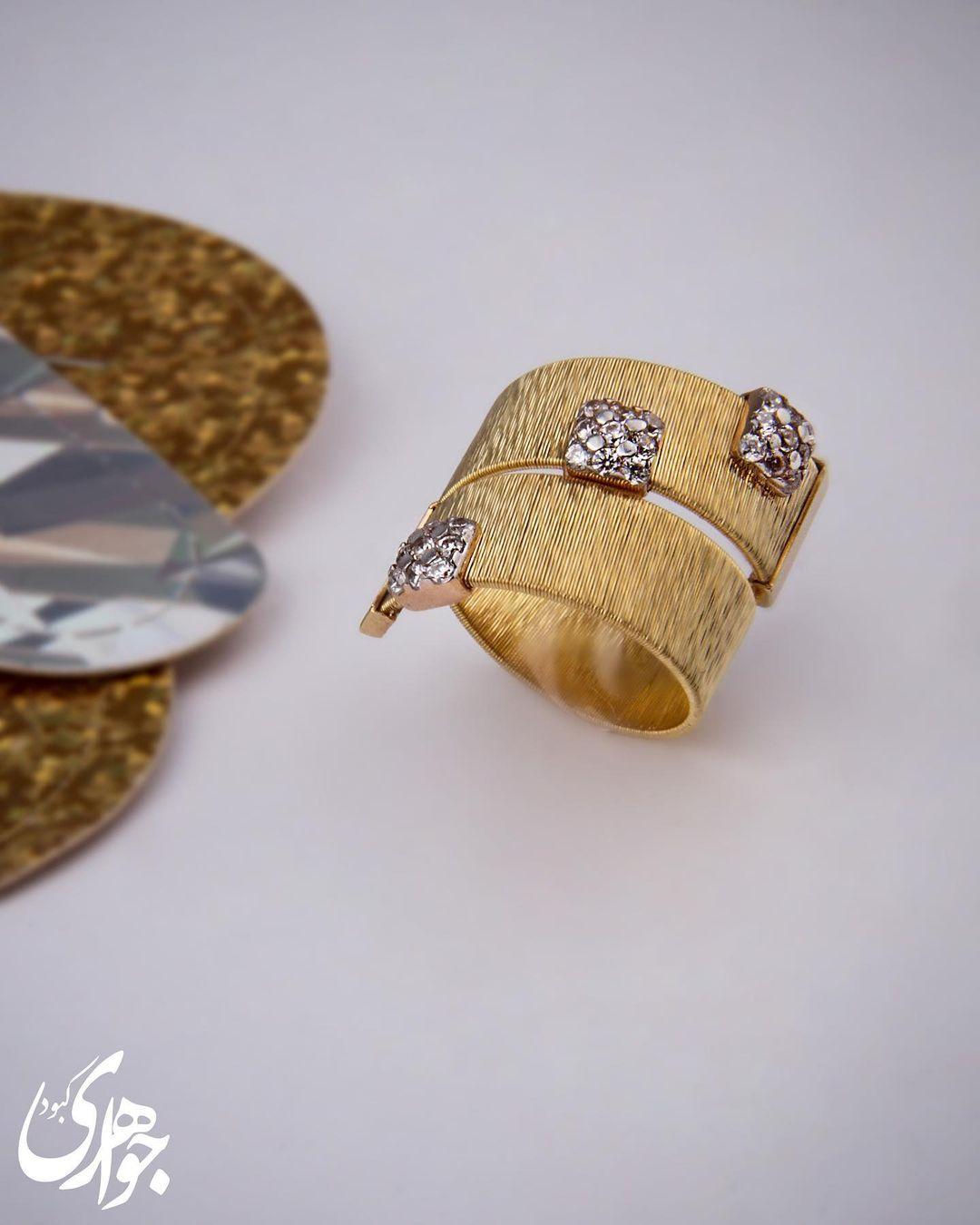 جواهرات کبود