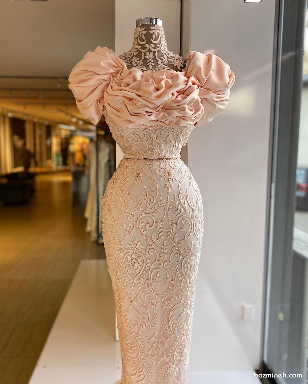 لباس نامزدی گلبهی با بالاتنه خاص