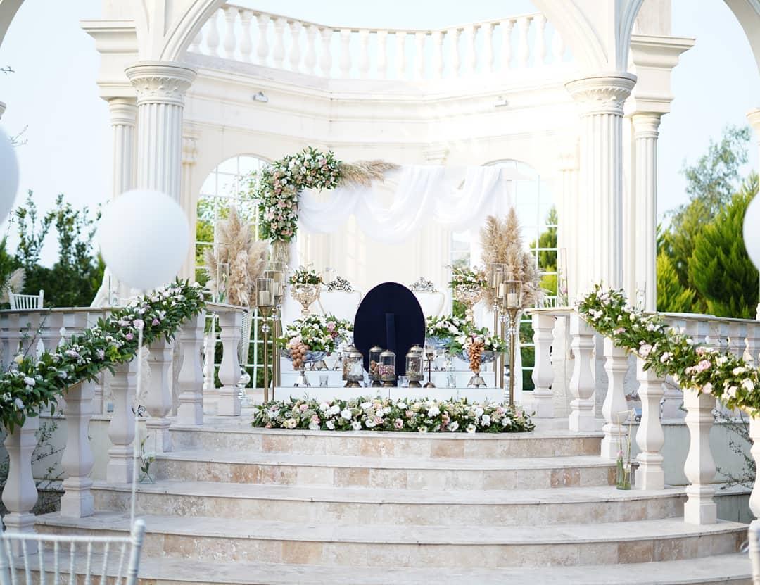 سالن عقد روژانو در بابل
